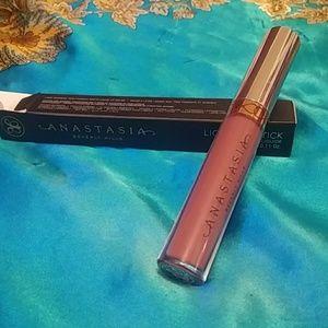 Anastasia Beverly Hills Liquid Lipstick in Poet